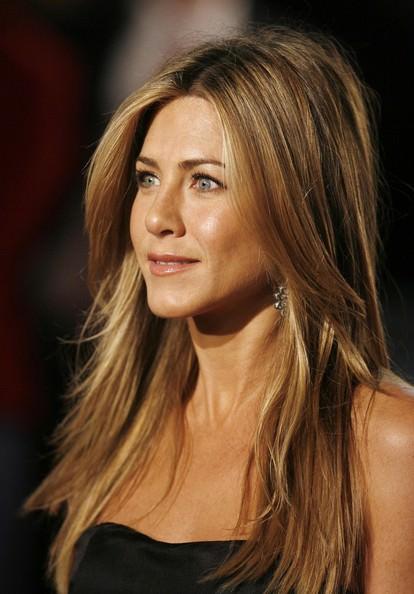 Jennifer-Aniston-Teased