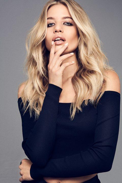 Womens long Blonde hair